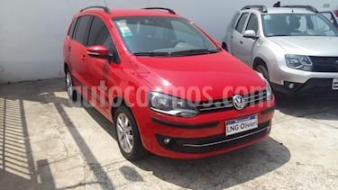 Volkswagen Suran 1.6 Highline usado (2014) color Rojo Tornado precio $505.000