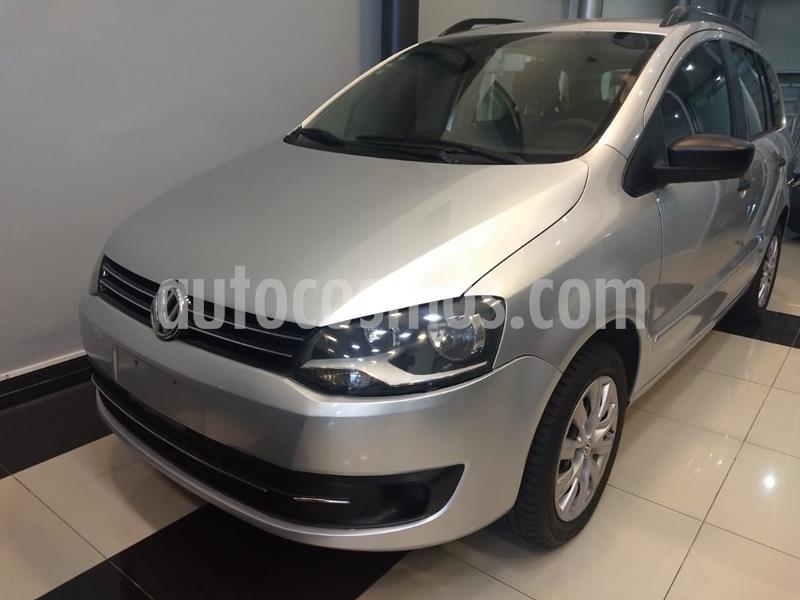 Volkswagen Suran 1.6 Comfortline usado (2011) color Plata precio $490.000