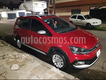 Volkswagen Suran Cross 1.6 Highline usado (2015) color Bordo precio $560.000