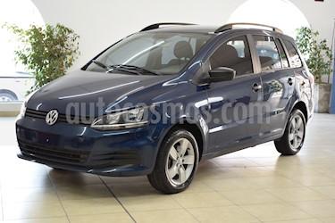 Volkswagen Suran 1.6 Comfortline usado (2012) color Azul Starlight precio $675.000