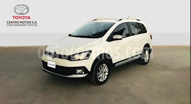 foto Volkswagen Suran Cross 1.6 Highline usado (2016) color Blanco precio $480.000