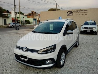 Foto Volkswagen Suran Cross 1.6 Highline usado (2015) color Blanco precio $548.000
