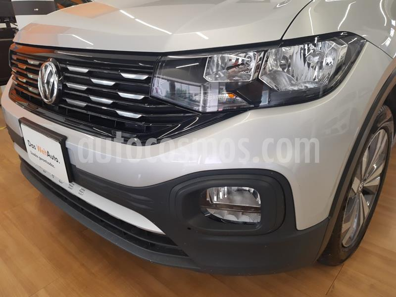 Volkswagen T-Cross Comfortline Aut usado (2020) color Plata precio $365,000