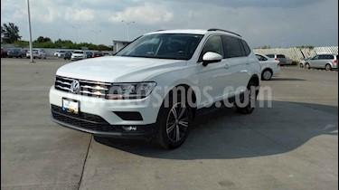 Foto Volkswagen Tiguan Comfortline 5 Asientos Piel usado (2019) color Blanco precio $389,900
