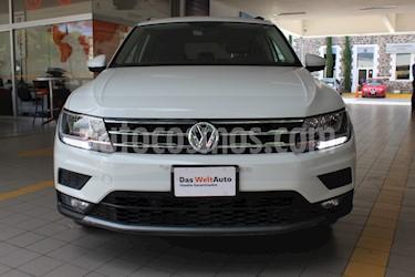 Foto Volkswagen Tiguan Comfortline 5 Asientos Piel usado (2018) color Blanco precio $389,000
