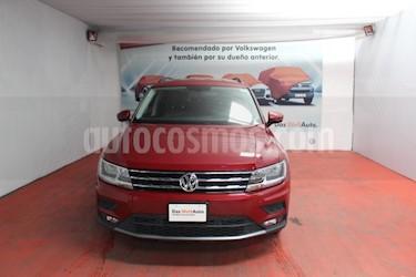 Foto Volkswagen Tiguan Comfortline 5 Asientos Piel usado (2018) color Rojo Rubi precio $389,000