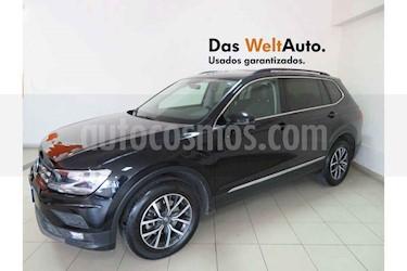Foto Volkswagen Tiguan Comfortline 5 Asientos Piel usado (2018) color Negro precio $383,801