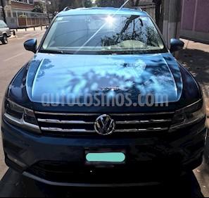 Foto Volkswagen Tiguan Comfortline 5 Asientos Piel usado (2018) color Azul precio $430,000