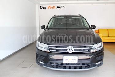 Foto Volkswagen Tiguan Comfortline 5 Asientos Piel usado (2018) color Negro Profundo precio $435,000