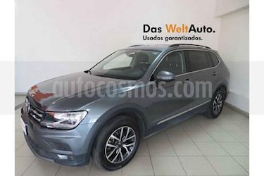 Foto Volkswagen Tiguan Comfortline 5 Asientos Piel usado (2018) color Azul precio $383,801