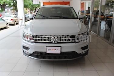 Foto venta Auto usado Volkswagen Tiguan Comfortline 7 Asientos Tela (2018) color Plata precio $398,000