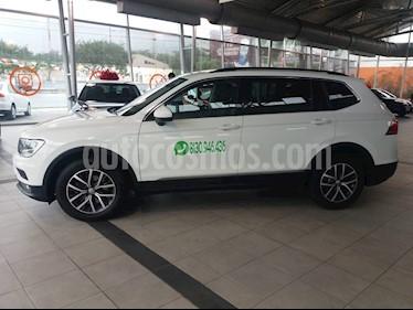 Foto venta Auto usado Volkswagen Tiguan Comfortline 7 Asientos Tela (2018) color Blanco precio $429,000