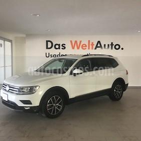 foto Volkswagen Tiguan Comfortline 7 Asientos Tela usado (2018) color Blanco precio $395,000