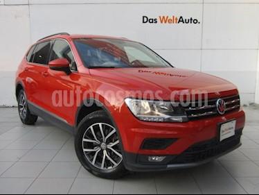 Foto Volkswagen Tiguan Comfortline 7 Asientos Tela usado (2018) color Naranja precio $389,000