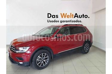 Foto Volkswagen Tiguan Comfortline 7 Asientos Tela usado (2018) color Rojo precio $379,801