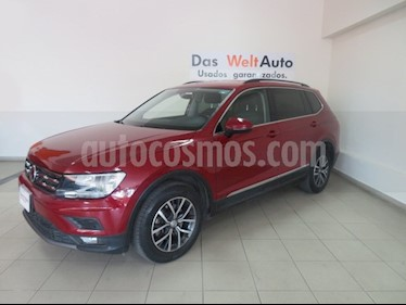 Foto venta Auto usado Volkswagen Tiguan Comfortline 7 Asientos Tela (2018) color Rojo Rubi precio $390,917