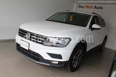 Foto Volkswagen Tiguan Comfortline 7 Asientos Tela usado (2018) color Blanco precio $430,000