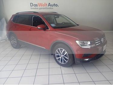 Foto venta Auto usado Volkswagen Tiguan Comfortline 7 Asientos Tela (2018) color Rojo Rubi precio $399,900