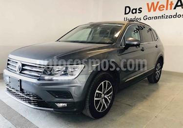 Foto venta Auto usado Volkswagen Tiguan Comfortline 7 Asientos Tela (2018) color Gris precio $392,027