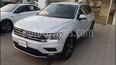Volkswagen Tiguan Comfortline 7 Asientos Tela usado (2019) color Plata precio $418,000
