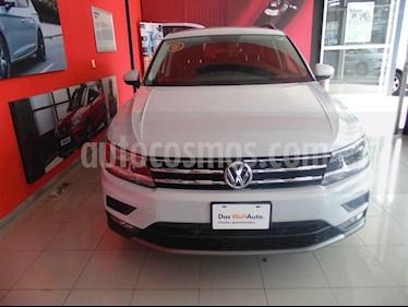 Foto venta Auto usado Volkswagen Tiguan Comfortline 7 Asientos Tela (2018) color Plata precio $385,000