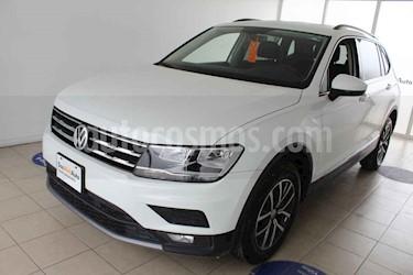 Foto Volkswagen Tiguan Comfortline usado (2018) color Blanco precio $375,000