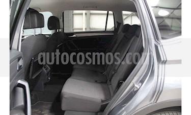 Foto venta Auto usado Volkswagen Tiguan Comfortline (2018) color Gris precio $325,800