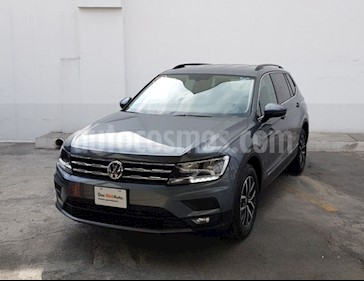 Foto Volkswagen Tiguan Comfortline usado (2018) color Verde Oscuro precio $427,800