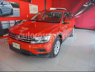 Foto venta Auto usado Volkswagen Tiguan Comfortline (2018) color Naranja precio $339,000
