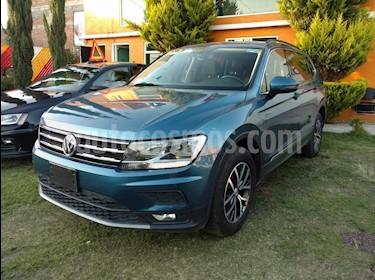 Foto venta Auto Seminuevo Volkswagen Tiguan Comfortline (2018) color Azul precio $415,000