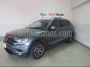 Foto venta Auto usado Volkswagen Tiguan Comfortline (2018) color Gris Platino precio $385,967