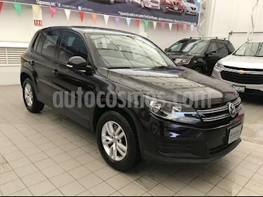 Foto venta Auto Seminuevo Volkswagen Tiguan Confortline (2016) color Negro precio $248,000