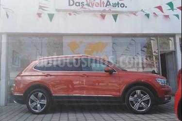 Foto venta Auto Seminuevo Volkswagen Tiguan Highline (2018) color Naranja precio $530,000