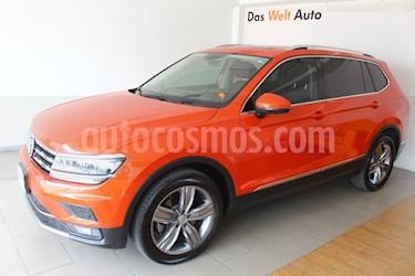 Foto venta Auto usado Volkswagen Tiguan Highline (2018) color Naranja precio $489,998