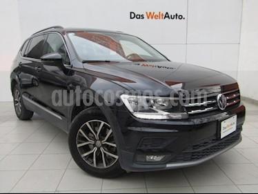 Volkswagen Tiguan Comfortline 5 Asientos Piel usado (2018) color Negro Profundo precio $395,000