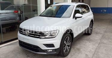 Volkswagen Tiguan 5p Confortline L4/1.4/T Aut 7 Pas usado (2019) color Plata precio $357,800