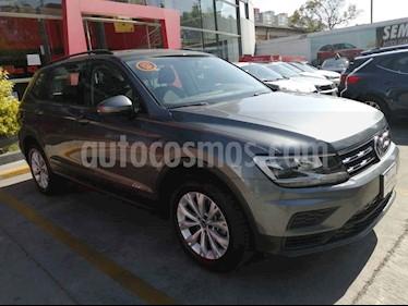 Volkswagen Tiguan 5p Trendline Plus 1.4 L4/1.4/T Aut usado (2019) color Gris precio $375,000