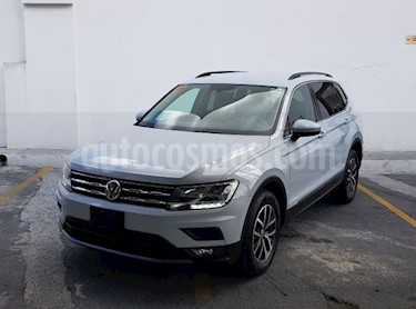 Volkswagen Tiguan Comfortline 5 Asientos Piel usado (2018) color Blanco precio $415,000