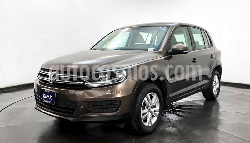 Volkswagen Tiguan Version usado (2015) color Cafe precio $239,999