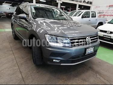 Volkswagen Tiguan Comfortline usado (2018) color Gris precio $359,000