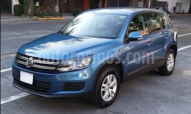Volkswagen Tiguan Trendline usado (2017) color Azul precio $250,000