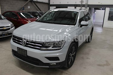 Volkswagen Tiguan Comfortline 7 Asientos Tela usado (2019) color Plata precio $359,900