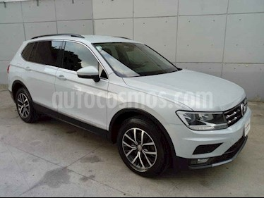 Volkswagen Tiguan 5p Confortline L4/1.4/T Aut 7 Pas usado (2018) color Blanco precio $335,000