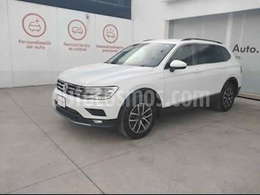 Volkswagen Tiguan 5p Confortline L4/1.4/T Aut 7 Pas usado (2018) color Blanco precio $382,000