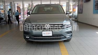 Volkswagen Tiguan Highline usado (2019) color Gris Platino precio $493,000