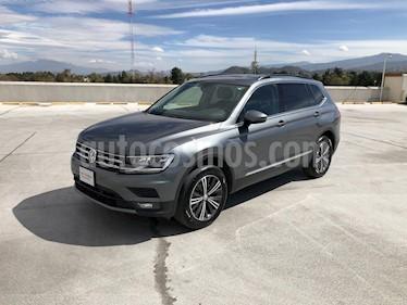 Volkswagen Tiguan Comfortline 5 Asientos Piel usado (2019) color Gris precio $415,000