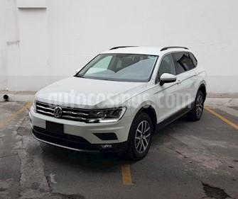 foto Volkswagen Tiguan Comfortline 7 Asientos Tela usado (2018) color Blanco precio $390,000