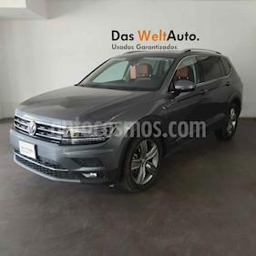 Volkswagen Tiguan 5p Highline L4/2.0/T Aut usado (2019) color Gris precio $513,000