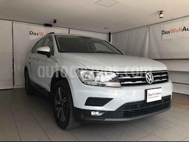 Volkswagen Tiguan 5p Confortline L4/1.4/T Aut 7 Pas usado (2019) color Blanco precio $395,000
