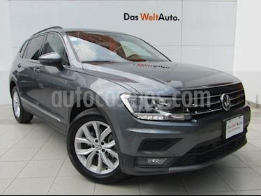 Volkswagen Tiguan Comfortline 5 Asientos Piel usado (2019) color Gris Platino precio $429,000